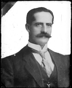 Retrato de Luis Felipe Carbo.